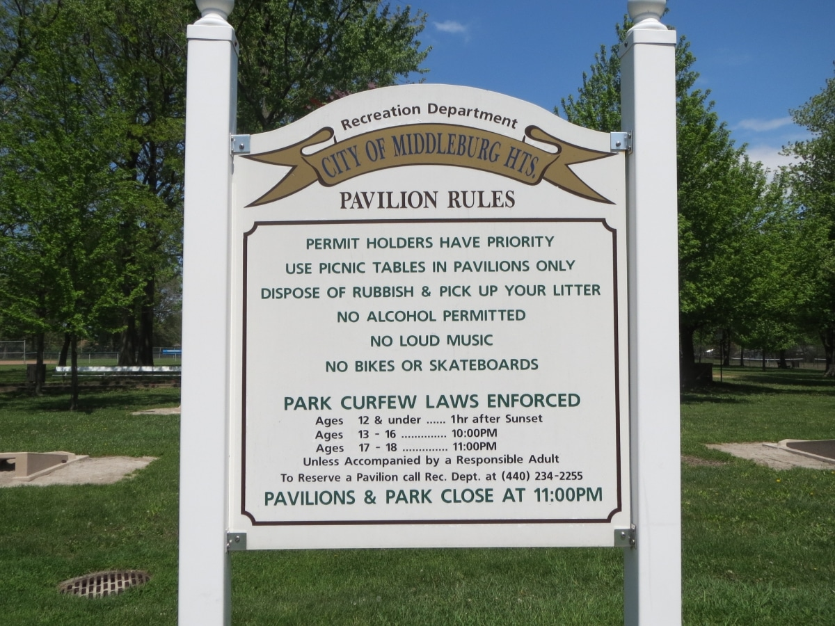 Pavilion rules sign